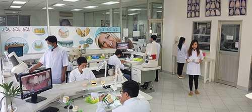 Nha khoa minh kha-Phòng làm răng giả riêng của Nha Khoa Minh Khai