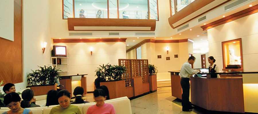 Nha khoa minh khai-Phòng chờ được thiết kế sang trọng theo phong cách Châu Âu